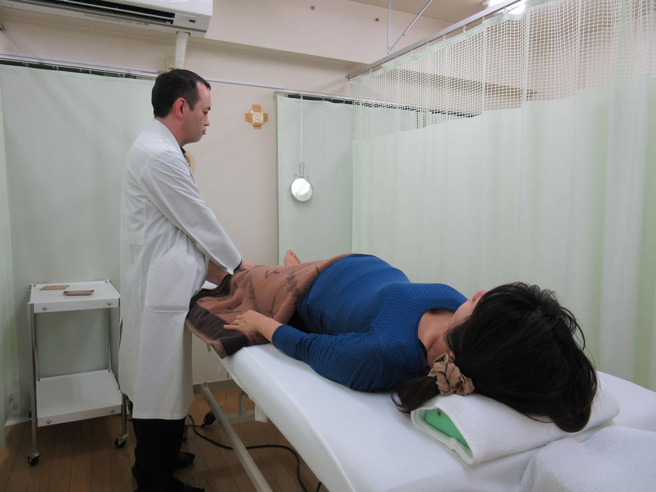 妊婦さん施術写真
